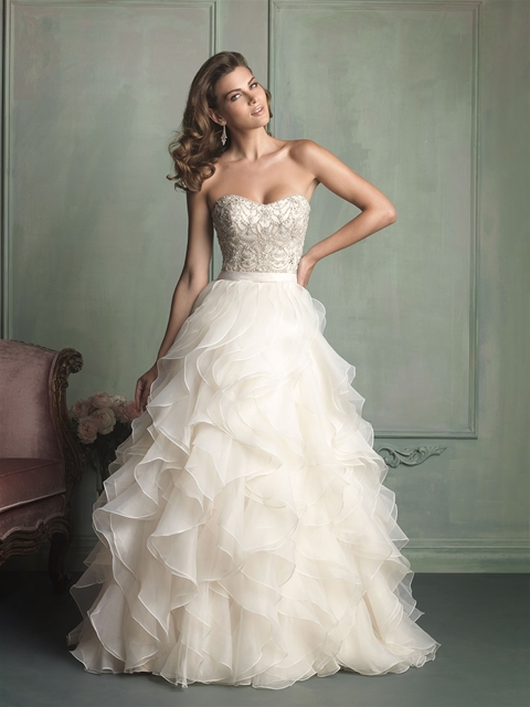 5 Beautiful Strapless Wedding Dresses from Allure Bridals