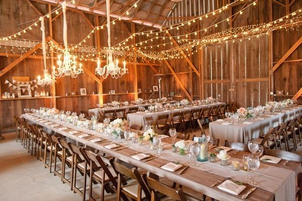 10 barn wedding decor ideas for Country wedding reception decorations