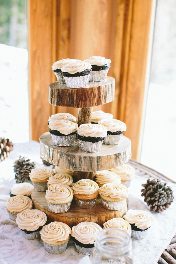 Planning a DIY Wedding: 5 Simple Dessert Table Ideas