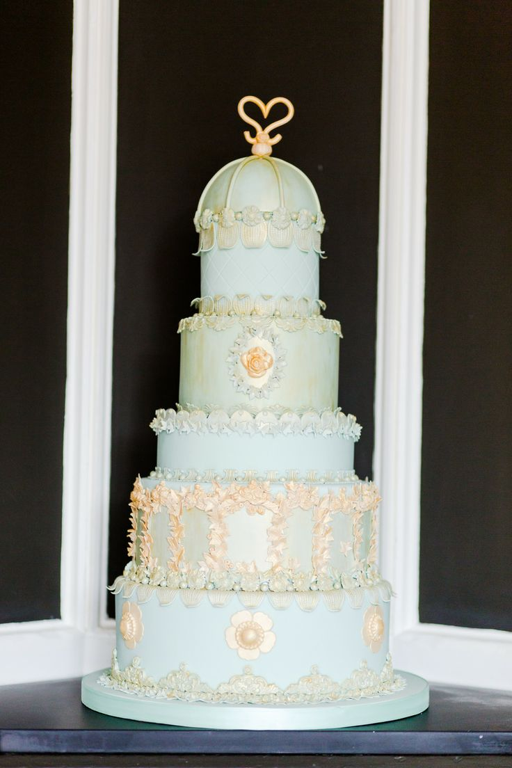 blue wedding cake design