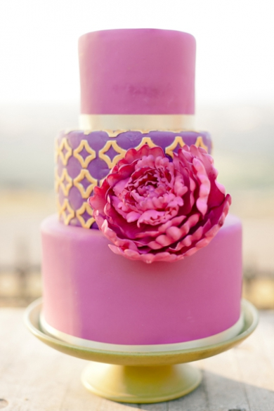 fushia wedding cake
