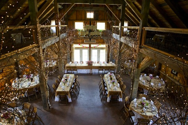 10 gorgeous barn wedding receptions
