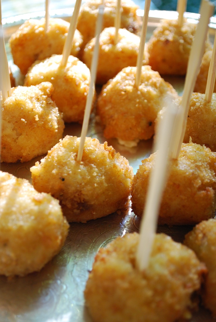 5 amazing appetizers to serve at your wedding