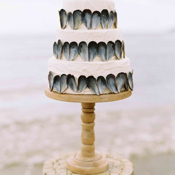 mussel adorned wedding cake