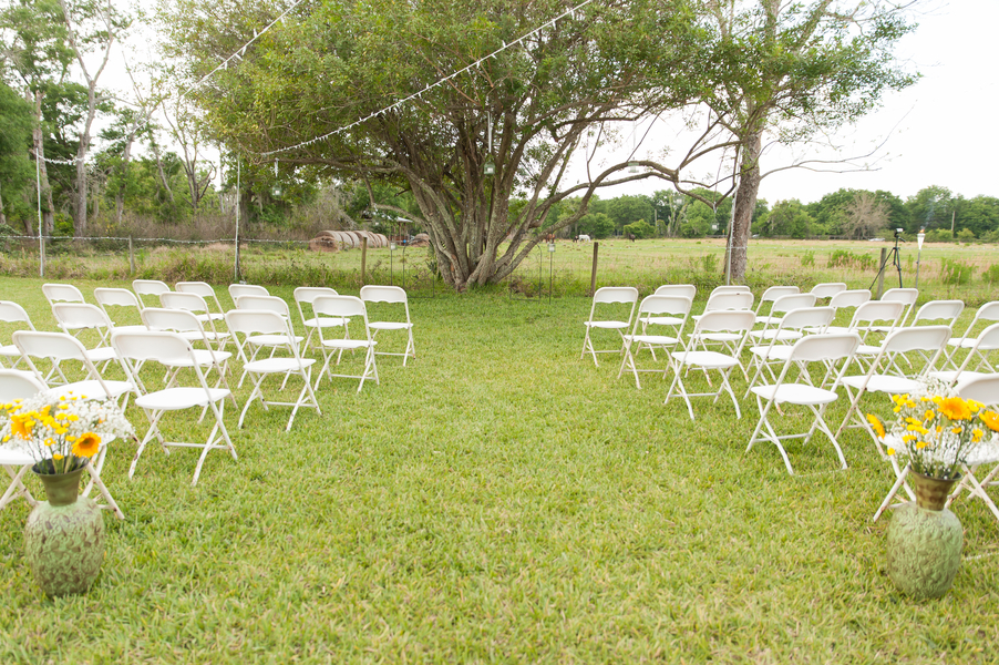 DIY Backyard Florida wedding / See more on Rustic Folk Weddings