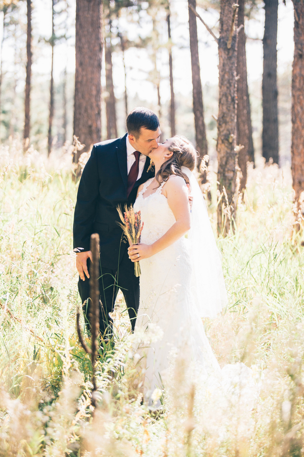 Leach_Peterson_Erin_L_Taylor_Photography_EMMonumentColoradoWedding291_low