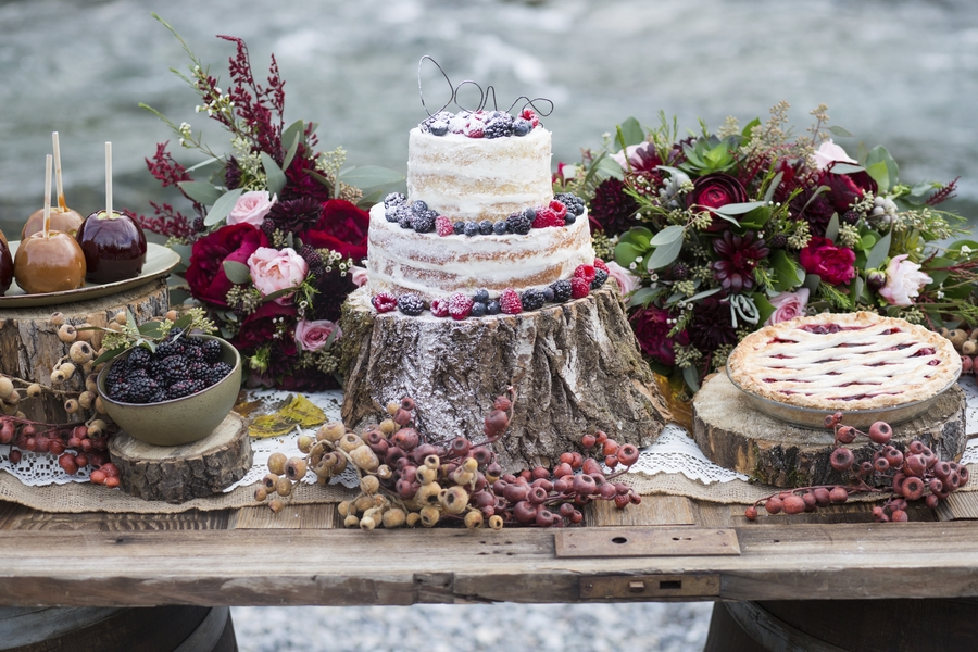 Rustic dessert table display - Melanie Bennett Photography