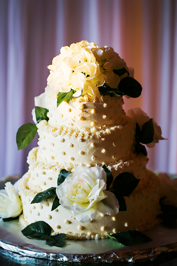 rustic wedding cake / Rustic Folk Weddings