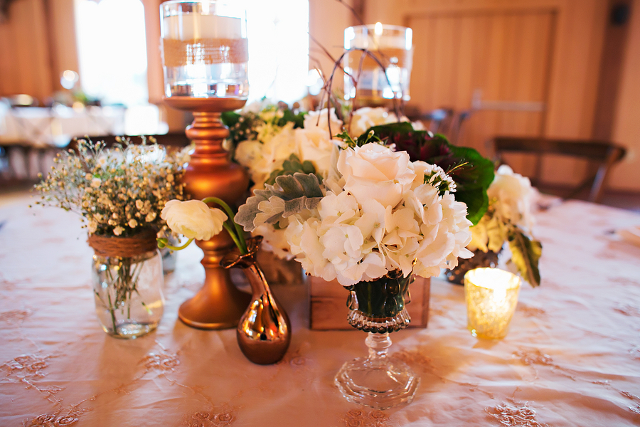 Rustic wedding centerpiece / Rustic Folk Weddings