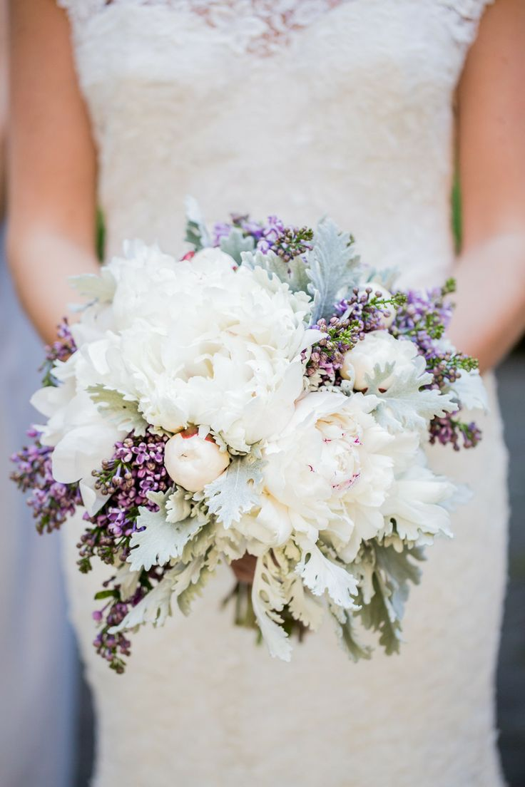 How to Choose Bridal Bouquet Flowers?